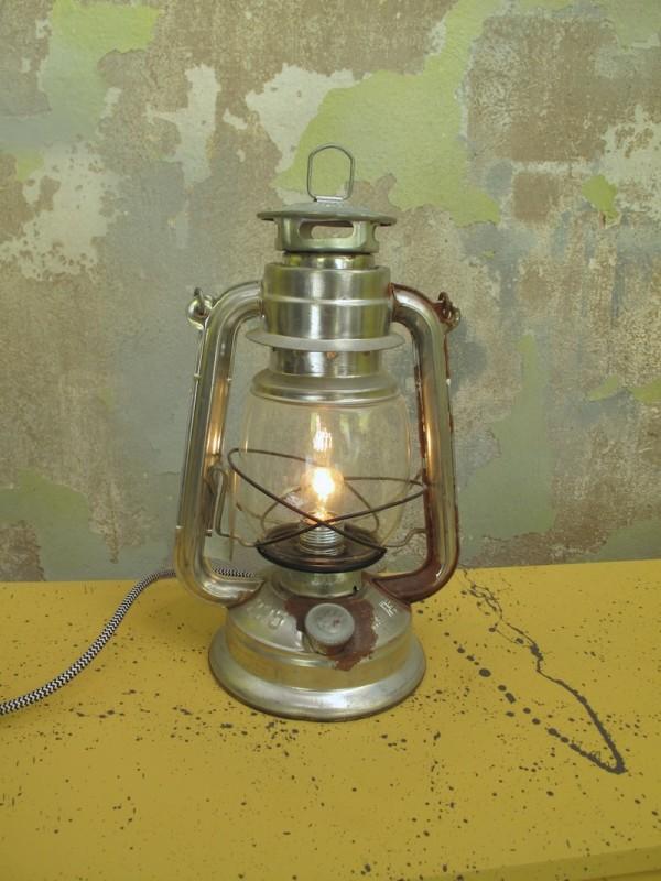 lampara petróleo reciclada